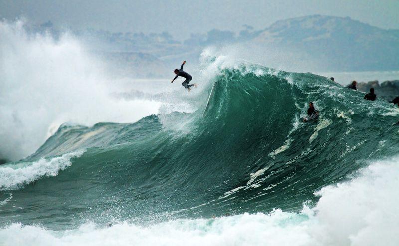 Самые большие волны для сёрфинга. The Wedge